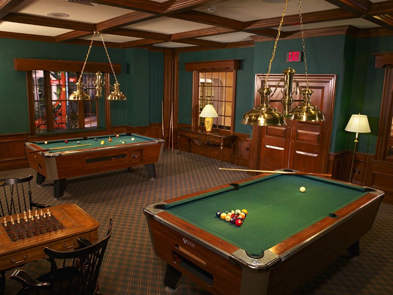 Hotel Billard Room